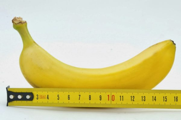 banana-and-ruler